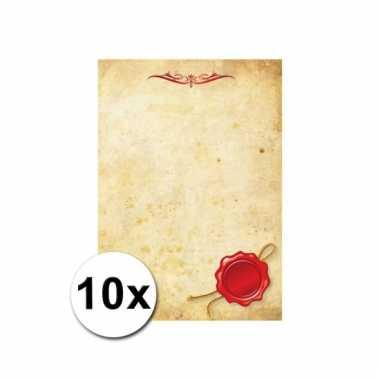 10 papieren vellen perkament