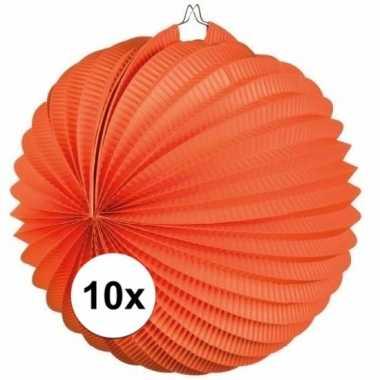 10 ronde oranje lampionnen