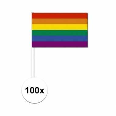 100 zwaaivlaggen met regenboog