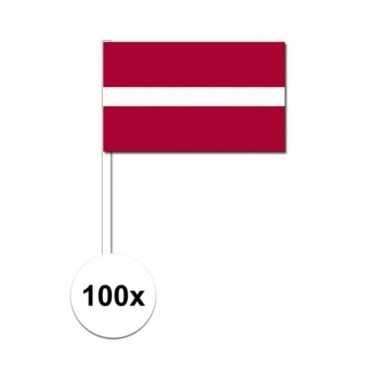 100x letlandse fan/supporter vlaggetjes op stok