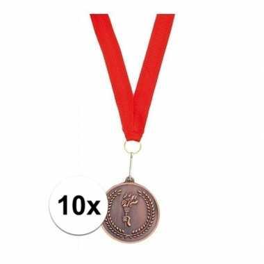 10x bronzen medailles aan rood halslint