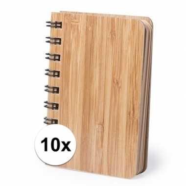 10x notitieboekjes/schriftjes met bamboe kaft 9 x 12 cm