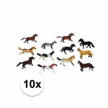 10x speel paardjes gemaakt van plastic 6 cm