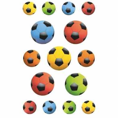 135x gekleurde voetbal stickertjes voor kinderen