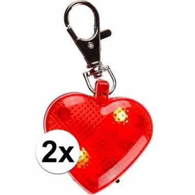 2 sleutelhangers rood hartje met verlichting 4 cm