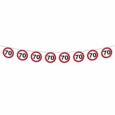 70 jaar thema slingers met verkeersborden 2x stuks