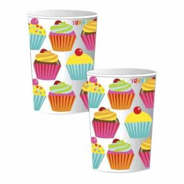 Acht cupcake party bekers