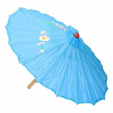Aziatische paraplu met bloemen licht blauw