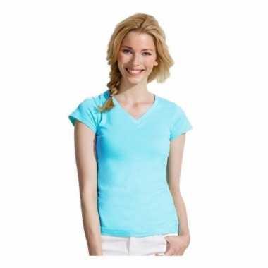 Dames shirts v-hals bodyfit lichtblauw