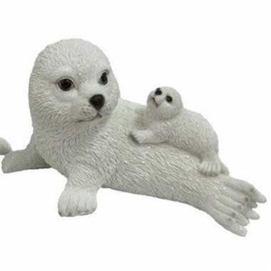 Decoratie beeld zeehond met baby op moeder 27 cm