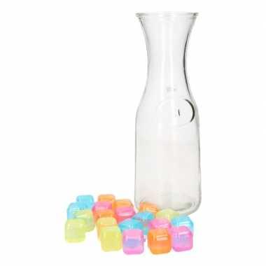 Decoratie karaf 1 liter met gekleurde ijsklontjes