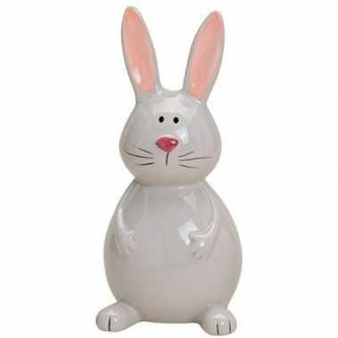 Dieren beeld grijs zittend paashaas/konijn 18 cm