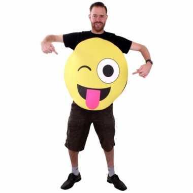 Emoticon pak van foam knipoog voor volwassenen