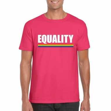 Equality shirt roze met regenboog vlag heren
