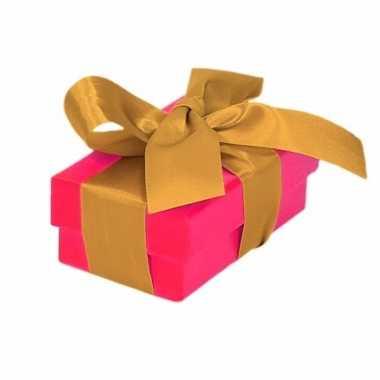 Etalage versiering roze cadeauverpakking doosje met goud strikje 8 cm