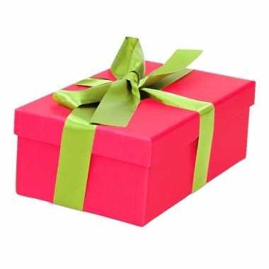 Etalage versiering roze cadeauverpakking doosje met lichtgroen strikje 15 cm