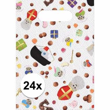 Feest 5 december snoepgoed uitdeelzakjes 24 stuks sint/piet