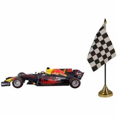 Formule 1 schaalmodel auto max verstappen 1:43 met finish tafelvlagge
