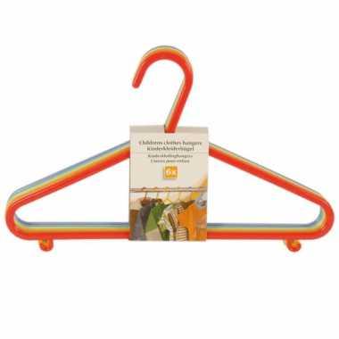 Gekleurde kledinghangers voor kinderen