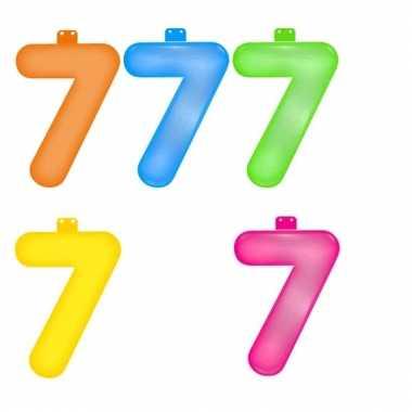 Gekleurde opblaas cijfer 7
