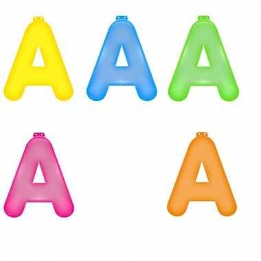 Gekleurde opblaas letters a