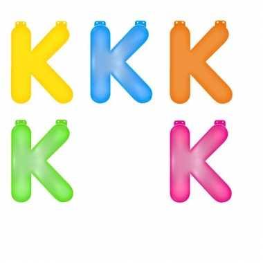 Gekleurde opblaas letters k