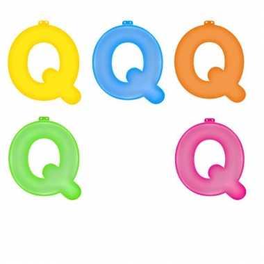 Gekleurde opblaas letters q
