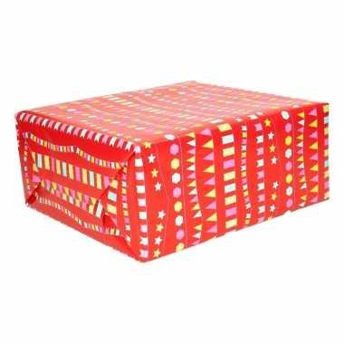 Geschenkpapier rood met vlaggenlijnen 200 x 70 cm
