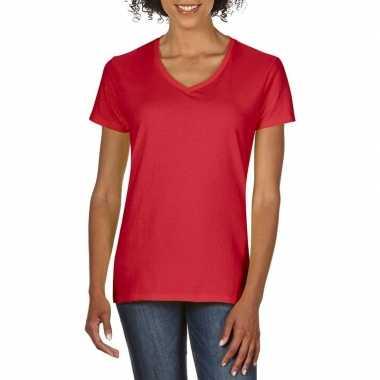 Getailleerde dameskleding t-shirt met v-hals rood
