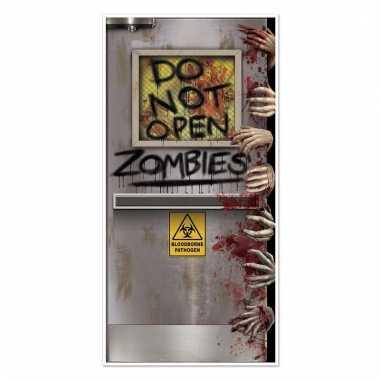 Halloween zombie deurversiering