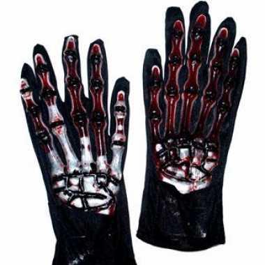 Handschoenen met botten en bloed