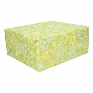Inpakpapier gele en witte bloemen