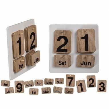 Kalender natuurlijk gekleurd hout 17 x 17 xm