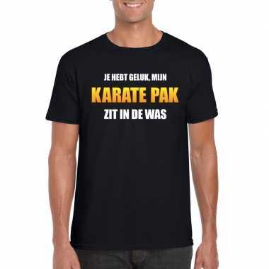 Karatepak zit in de was heren carnaval t-shirt zwart