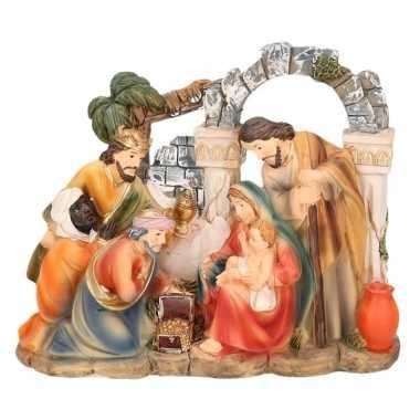 Kerst beeldje van de drie wijzen en heilige gezin 14 cm