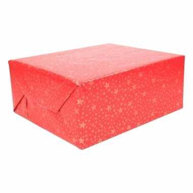 Kerst inpakpapier rood met gouden sterren