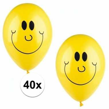 Lachende emoticon ballonnen 40 stuks