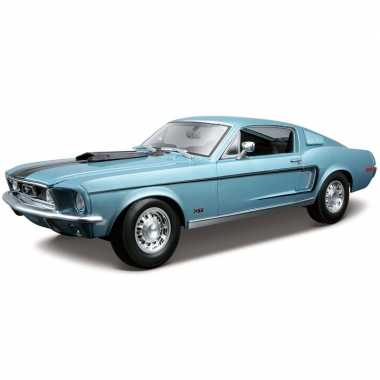 Model auto ford mustang gt 1968 blauw 1:18