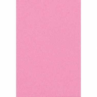 Papieren tafelkleden/tafellakens decoratie roze 137 x 274 cm