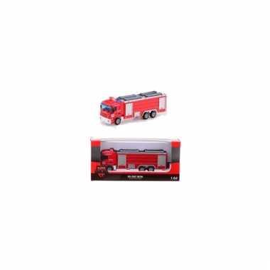 Rode brandweer bluswagen