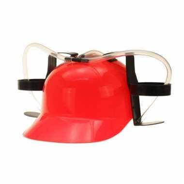 Rode helm met bier houders