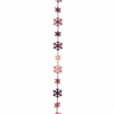 Rode kerstversiering kralenslinger met sneeuwvlokken 270 cm