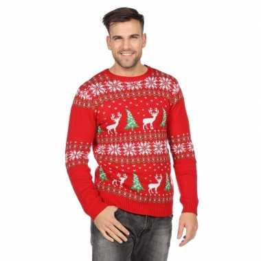 Rode trui voor kerst met rendieren