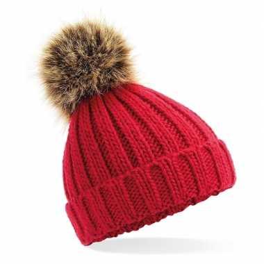 Rode warme gebreide skimuts met nepbonten bruine pompon voor meisjes