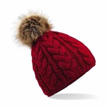 Rode warme gebreide skimuts met pompon voor dames