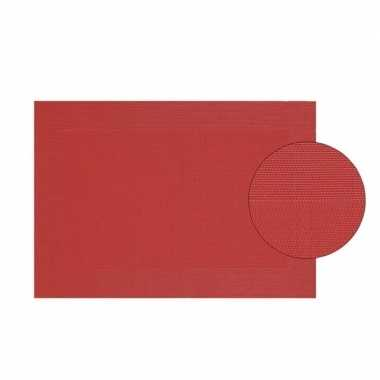 Rood gevlochten placemat van kunststof 45 x 30 cm