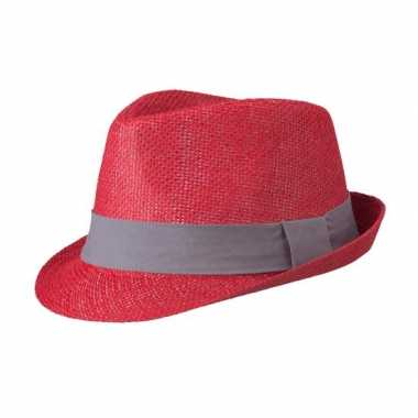 Rood hoedje met donkergrijs hoedband