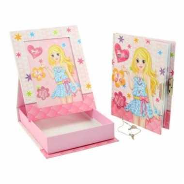 Roze dagboek met fotolijst