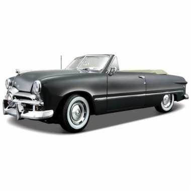 Schaalmodel ford oldtimer 1949 cabriolet 1:18