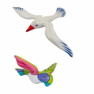Set opblaasbare papegaai en meeuw